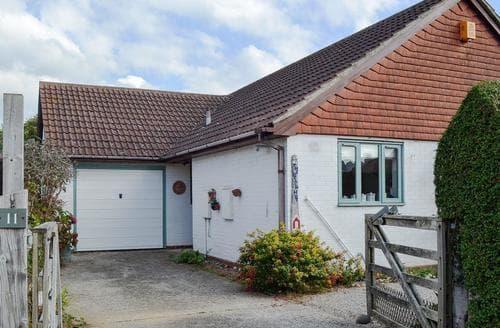 Last Minute Cottages - Superb Bognor Regis Apartment S72860