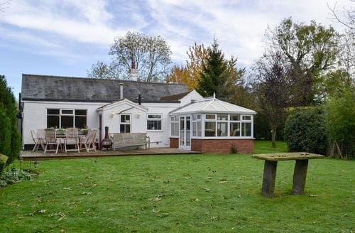 Dog Friendly Cottages - Excellent Skegness Cottage S73015