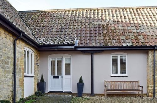 Last Minute Cottages - Inviting All Northamptonshire Cottage S73397