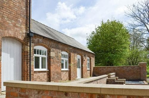 Last Minute Cottages - Gorgeous Market Rasen Lodge S80601