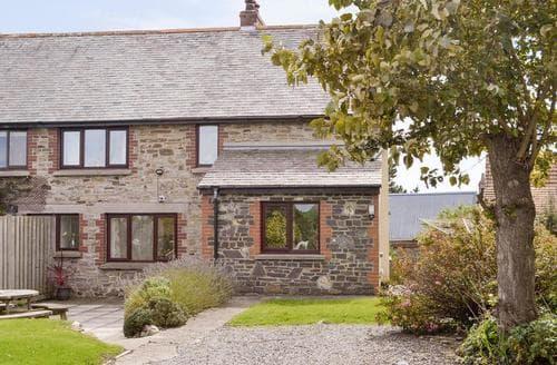Last Minute Cottages - Attractive Barnstaple Cottage S74010