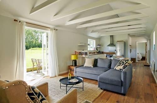 Dog Friendly Cottages - Luxury Chichester Cottage S76984