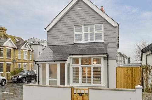 Last Minute Cottages - Lovely Folkestone Cottage S76857