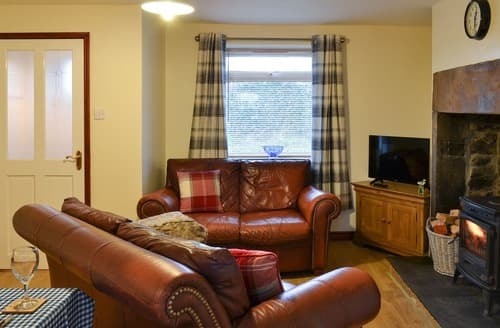 Last Minute Cottages - Valley View Cottage