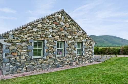 Last Minute Cottages - Standing Stones Cottage