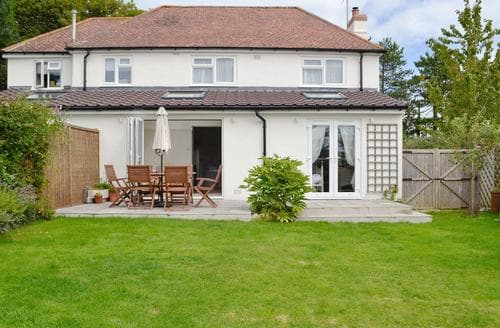 Last Minute Cottages - Quaint Chideock Cottage S73405