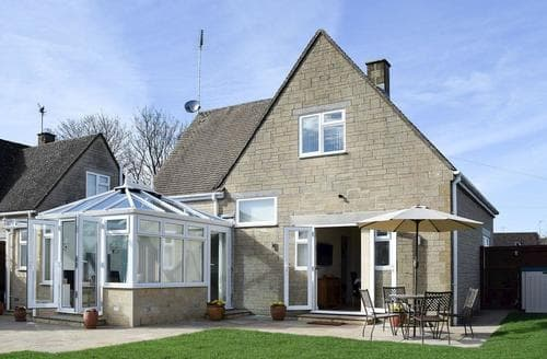 Last Minute Cottages - Cosy Stow On The Wold Cottage S78663