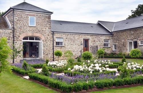 Dog Friendly Cottages - Exquisite Haverfordwest Cottage S78337