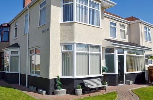 Big Cottages - Charming Blackpool Lodge S78806