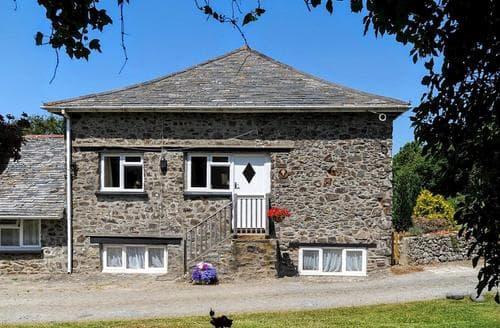 Dog Friendly Cottages - Exquisite Hartland Cottage S79565
