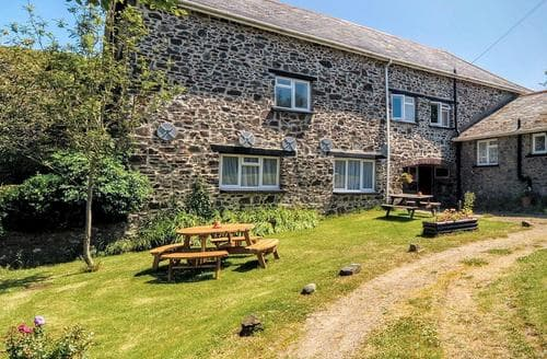Big Cottages - Gorgeous Hartland Cottage S79563