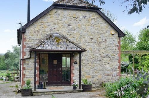 Dog Friendly Cottages - Delightful Axminster Cottage S81143