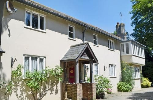 Last Minute Cottages - Tasteful Arundel Cottage S45322