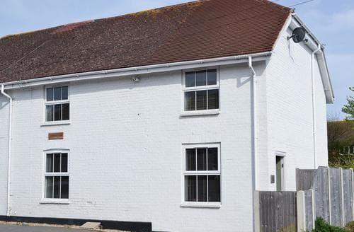 Dog Friendly Cottages - Splendid Bognor Regis Cottage S80852