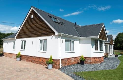 Dog Friendly Cottages - Splendid Ringwood Cottage S84112