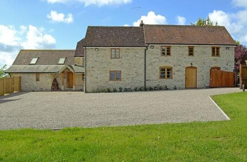 Big Cottages - Charming Shaftesbury Cottage S81527
