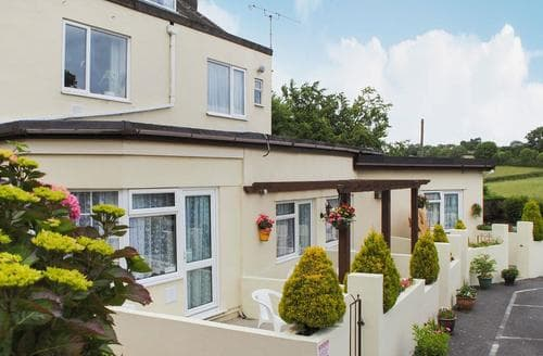 Dog Friendly Cottages - Gorgeous Torquay Apartment S81644