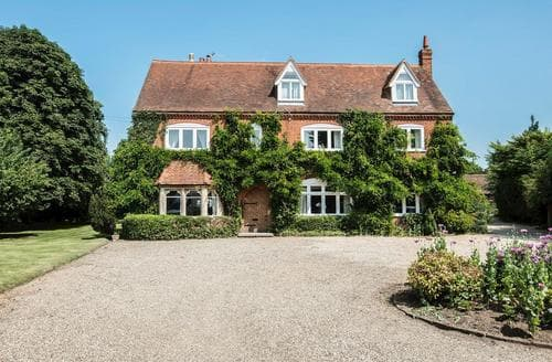 Big Cottages - Superb All Surrey Cottage S82853