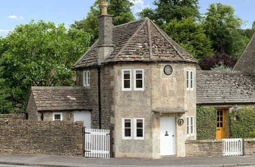 Last Minute Cottages - Stunning Chipping Sodbury Lodge S82927