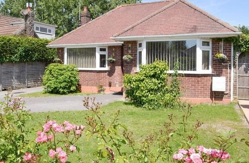 Last Minute Cottages - Gorgeous Poole Cottage S83100