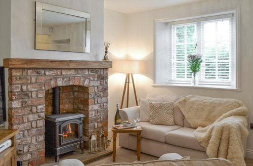 Dog Friendly Cottages - Luxury Driffield Cottage S83743