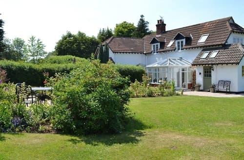 Last Minute Cottages - Inviting Burley Cottage S83402