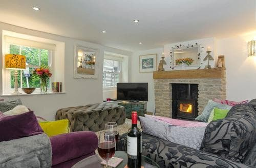 Last Minute Cottages - Stunning Mere Cottage S84261