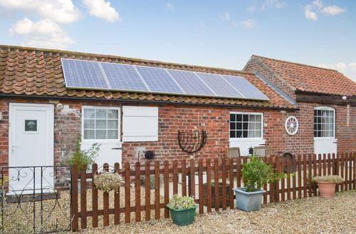 Dog Friendly Cottages - Quaint Horncastle Cottage S88723