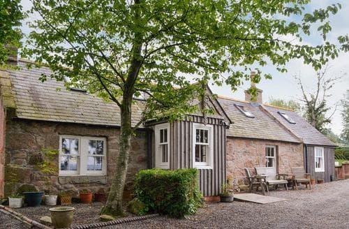 Last Minute Cottages - Tasteful Ballater Cottage S85861