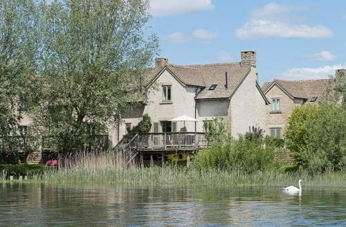 Last Minute Cottages - Excellent Cirencester Cottage S49734