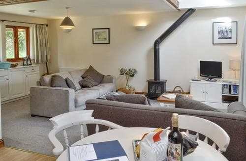 Last Minute Cottages - Excellent Bettiscombe Cottage S86333