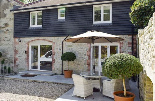 Last Minute Cottages - Attractive Ventnor Cottage S98696