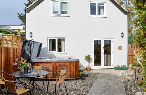 Big Cottages - Lovely Brundall Cottage S87144