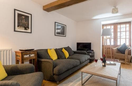 Dog Friendly Cottages - Quaint Bourton On The Water Cottage S88112
