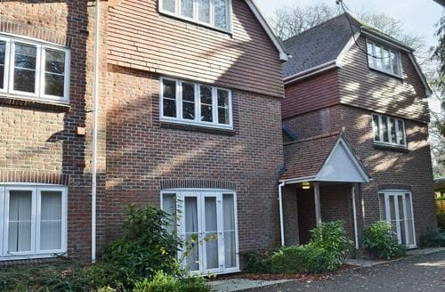 Big Cottages - Delightful Southampton Cottage S89745