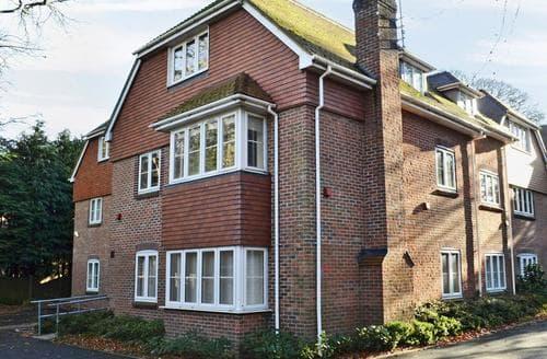 Big Cottages - Cosy Southampton Cottage S89748