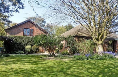 Big Cottages - Cosy Lowestoft Cottage S50186