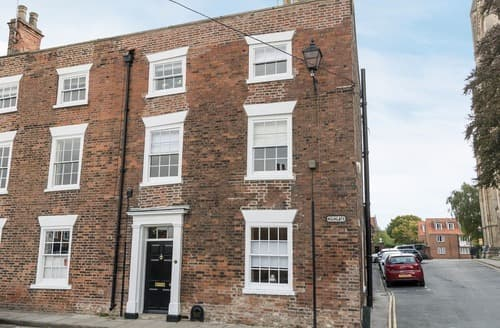 Last Minute Cottages - Stunning Driffield Apartment S92252