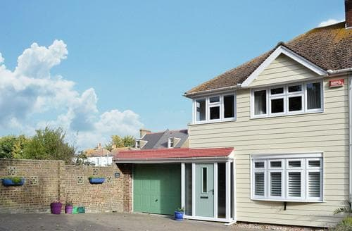 Last Minute Cottages - Inviting Broadstairs Cottage S50317