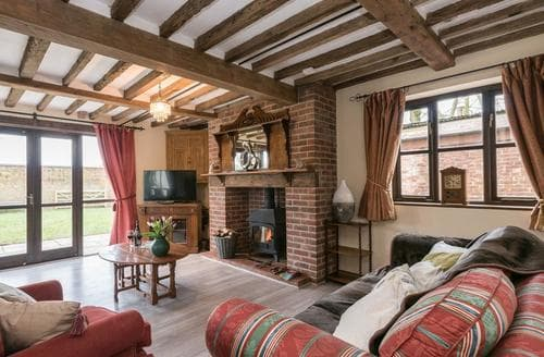 Big Cottages - Delightful Diss Lodge S94085
