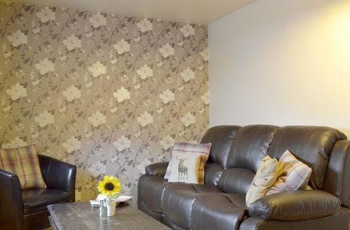 Dog Friendly Cottages - Tasteful Derby Lodge S94041