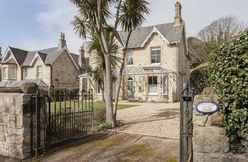 Last Minute Cottages - Excellent Ventnor Lodge S94198