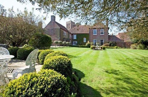 Last Minute Cottages - Luxury Arundel Cottage S96713