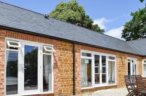 Last Minute Cottages - Charming All Northamptonshire Cottage S104524