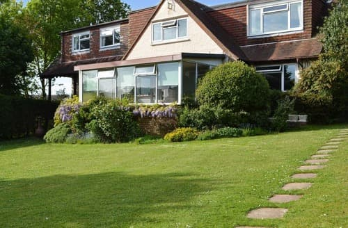 Last Minute Cottages - Splendid Arundel Apartment S98764