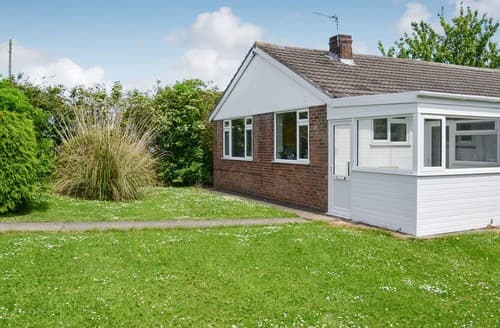 Last Minute Cottages - Captivating Mablethorpe Cottage S102908