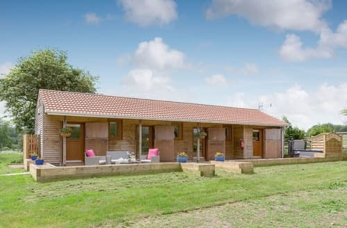 Last Minute Cottages - Beautiful All Nottinghamshire Lodge S98255