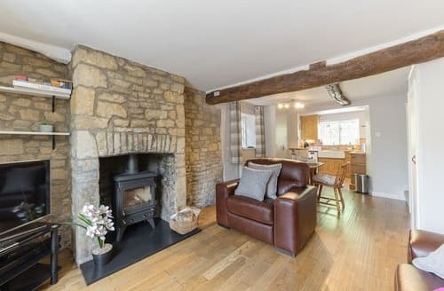 Dog Friendly Cottages - Delightful Bourton On The Water Cottage S101199