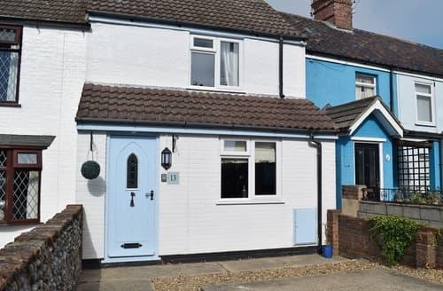 Dog Friendly Cottages - Tasteful Lowestoft Cottage S105272