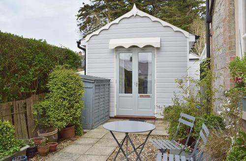 Last Minute Cottages - Inviting Ventnor Cottage S50476